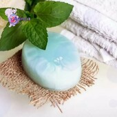 """☘️Soap with menthol """"chill effect"""" is made of all natural ingredients:  ☘️ coconut oil, essential oil of eucalyptus and natural menthol.  ☘️ Thanks to its unique properties, menthol soap significantly cools the skin, which is especially important in hot weather.  ☘️It refreshes you effectively and helps you to wake up faster in the mornings. This is as well as being pleasingly relaxing in the evening, after a busy workday.   ☘️This soap can remove the feeling of discomfort caused by allergic reactions. Due to the cooling effect on the skin receptors, the soap reduces the itching after insect bites.  ☘️The cooling effect is achieved with the successful combination of essential eucalyptus oil. This soap is suitable for both women and men!  #arinkasoap"""